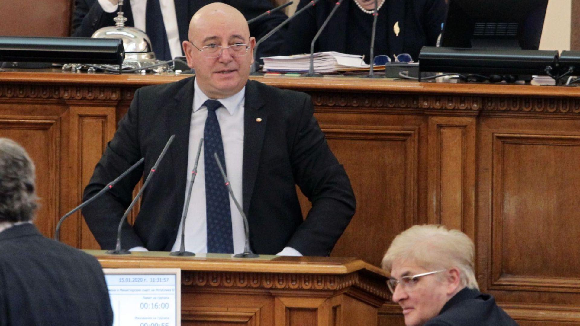 Емил Димитров : Мястото на НИМХ не е в eкоминистерството