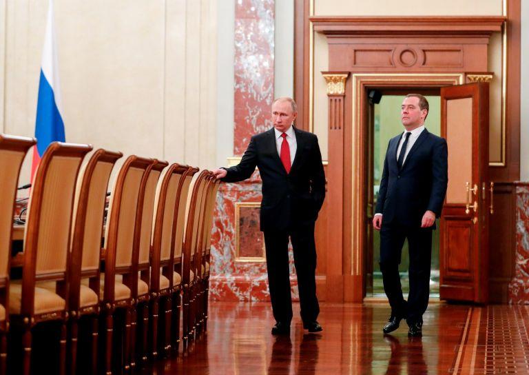 Владимир Путин назначи Дмитрий Медведев за свой заместник в Съвета за сигурност на Русия