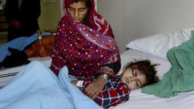 Момиче, затрупано от лавина в Пакистан, беше спасено след 18 часа