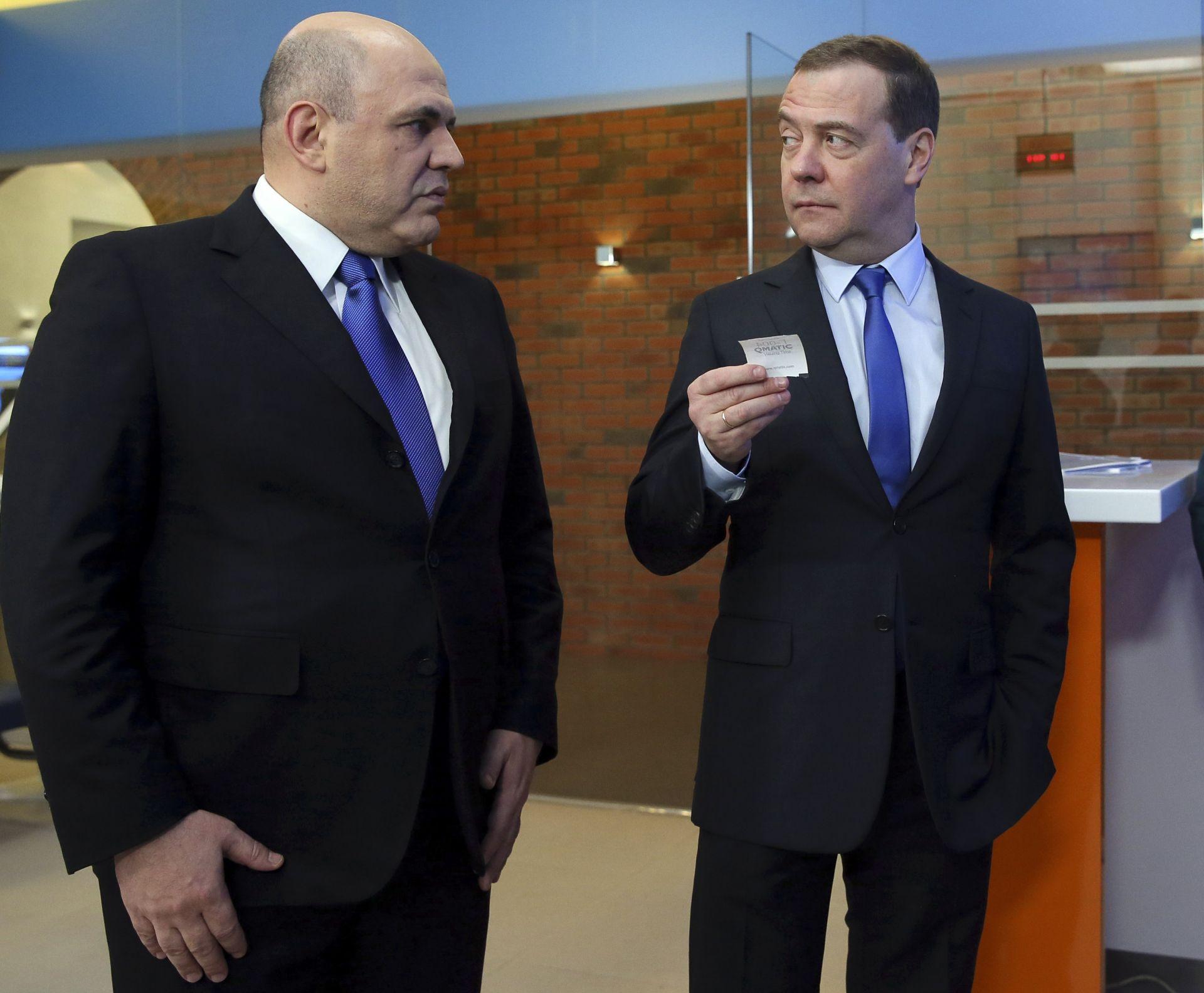 Мишустин разговоря и с Медведев