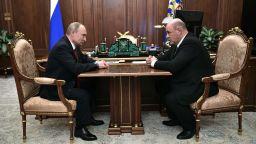 Кой е Михаил Мишустин - данъчният шеф, с когото Путин сменя Медведев