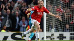 Полицията разпита легенда на Юнайтед след мощно парти с диджей в дома му