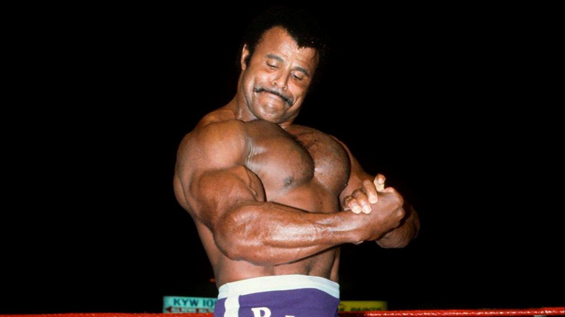 Отиде си легендарният кечист Роки Душата - бащата на Скалата