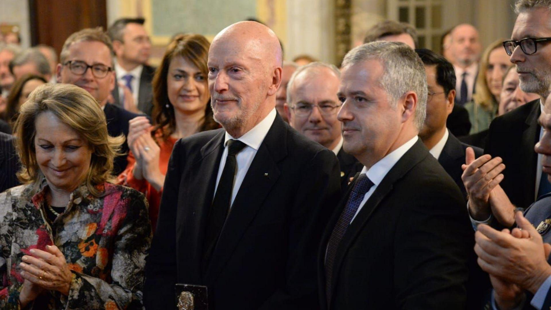 Испания удостои Симеон Сакскобургготски с висок дипломатически приз