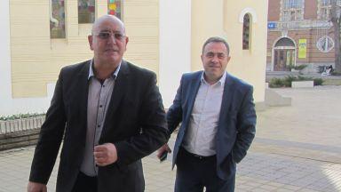 "Емил Димитров инспектира извор ""Врелото"" заради водата на Радомир"
