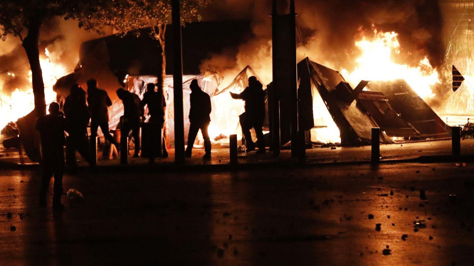 Силите за сигурност в Бейрут използваха сълзотворен газ и водни