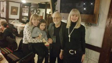 Недялко Йорданов отпразнува 80 със спектакъл и наздравица с приятели