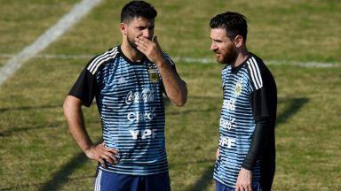 Меси предложи верния си другар Агуеро на Барселона