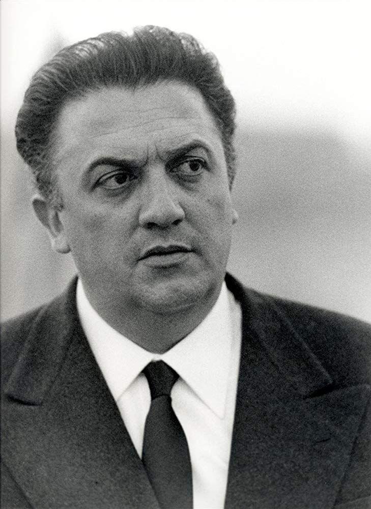 """""""Сладък живот""""  е италианско-френски игрален филм – трагикомедия, излязъл по екраните през 1960 година, режисиран от Федерико Фелини с участието на Марчело Мастрояни, Анита Екберг и Анук Еме в главните роли. Сценарият е написан от режисьора Фелини в сътрудничество с Тулио Пинели, Енио Флаяно, Брунело Ронди и Пиер Паоло Пазолини."""