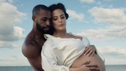 Ашли Греъм стана майка за първи път
