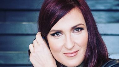 Ани Цолова провокира почитателите си, които я очакват отново в ефир