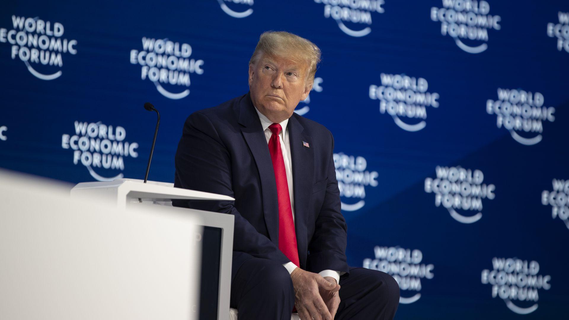 Екипите на Тръмп представят план за спасяване на авиокомпаниите