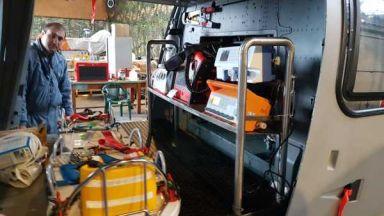 Военен хеликоптер транспортира родилка в кома до Варна