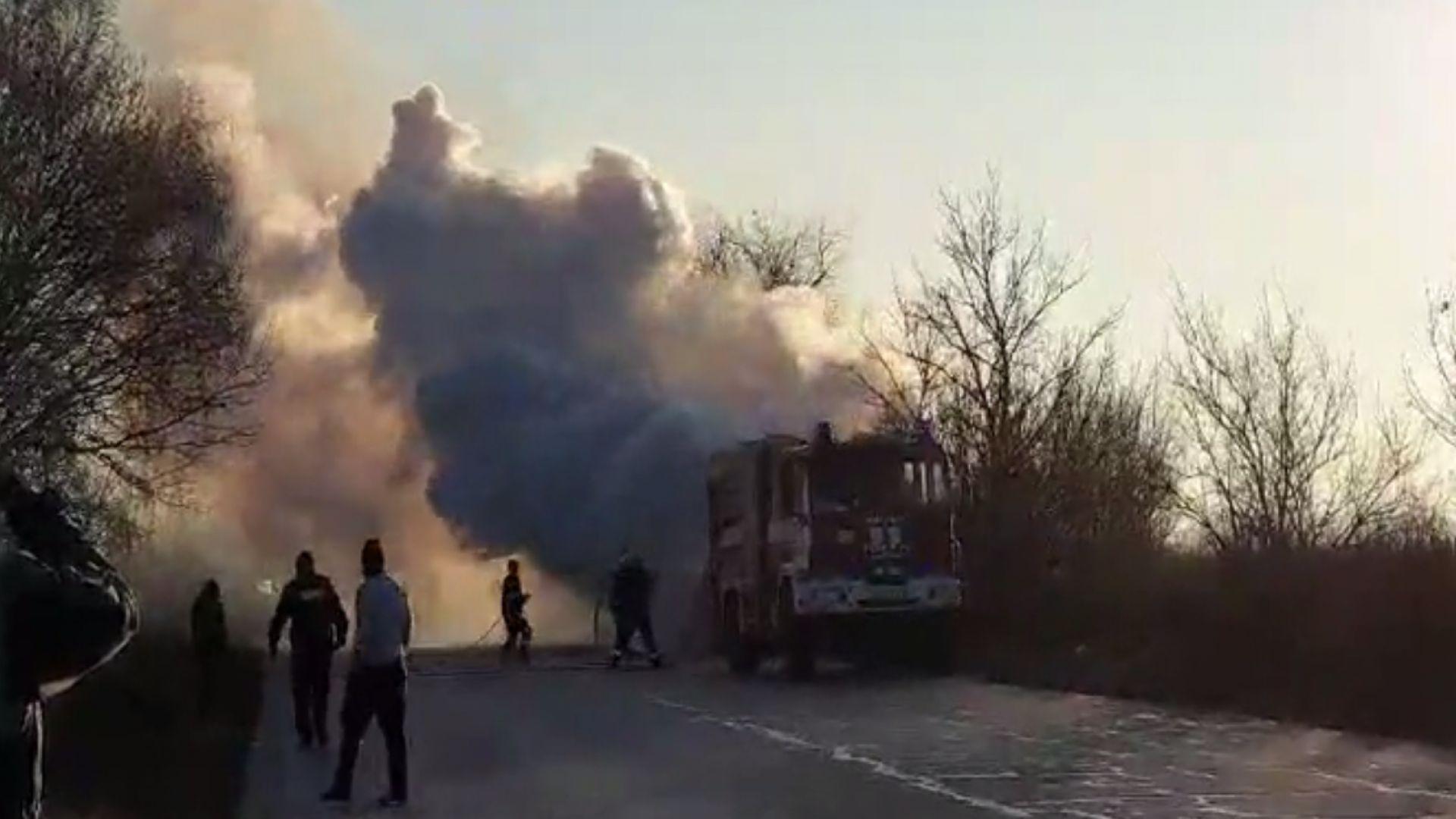 Автобус се запали в движение край Пазарджик
