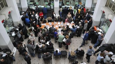 Кметове отхвърлиха директивата за по-високи данъци и такси, искат среща с премиера