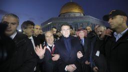 Макрон наруга израелски полицаи пред базилика в Йерусалим
