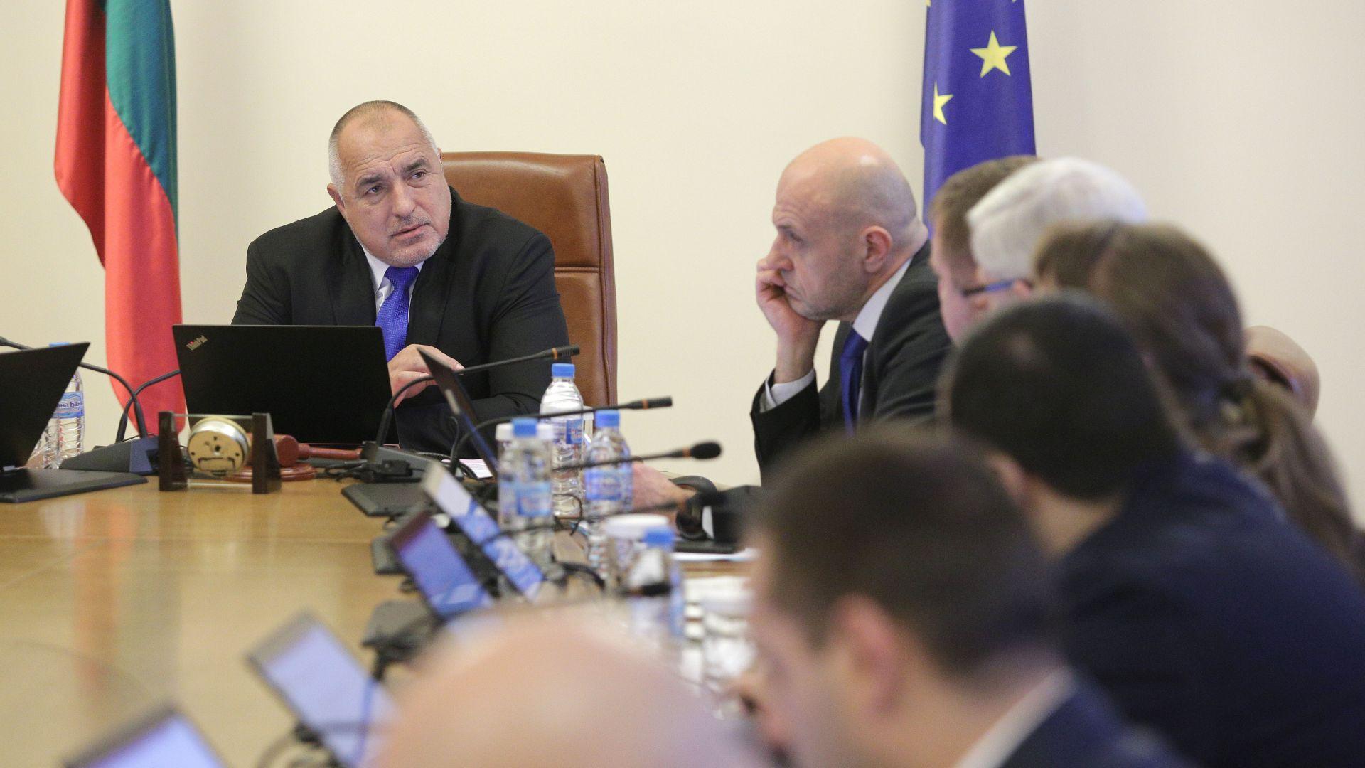 Премиерът Борисов: На никого не му се взима фирмата, национализация няма