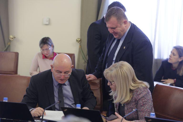 Красимир Каракачанов се присъединява към обсъждането