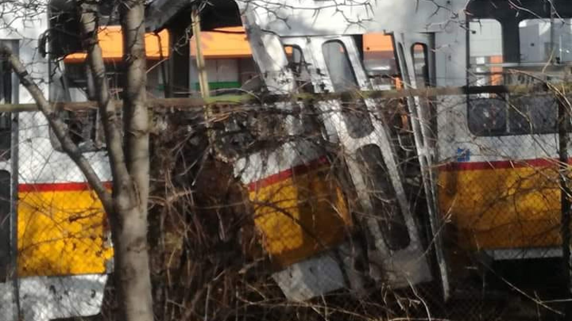 Верижна катастрофа с 3 трамвая отне живота на едно момче