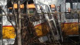 Верижна катастрофа с 3 трамвая, загинал и няколко ранени в София (видео)