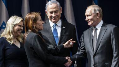 Путин се срещна с майката на израелка, задържана в Русия за наркотици