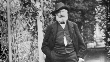 Откриха неизвестен ръкопис на Виктор Юго на около 150 години