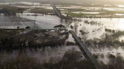 """Испанското правителство се събира извънредно заради бурята """"Глория"""" (видео)"""