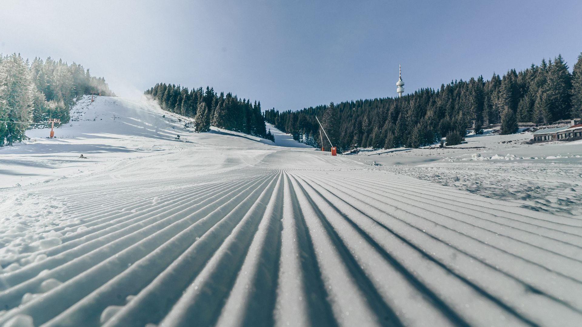 Чудесни условия за ски в Пампорово-Мечи чал, въпреки че зимата е суха