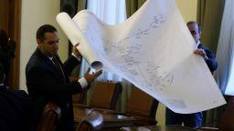 Караниколов опита да опровергае обвиненията на левицата за водната криза