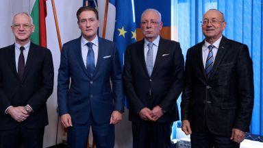 Бизнесът: Българската икономика стабилно върви нагоре