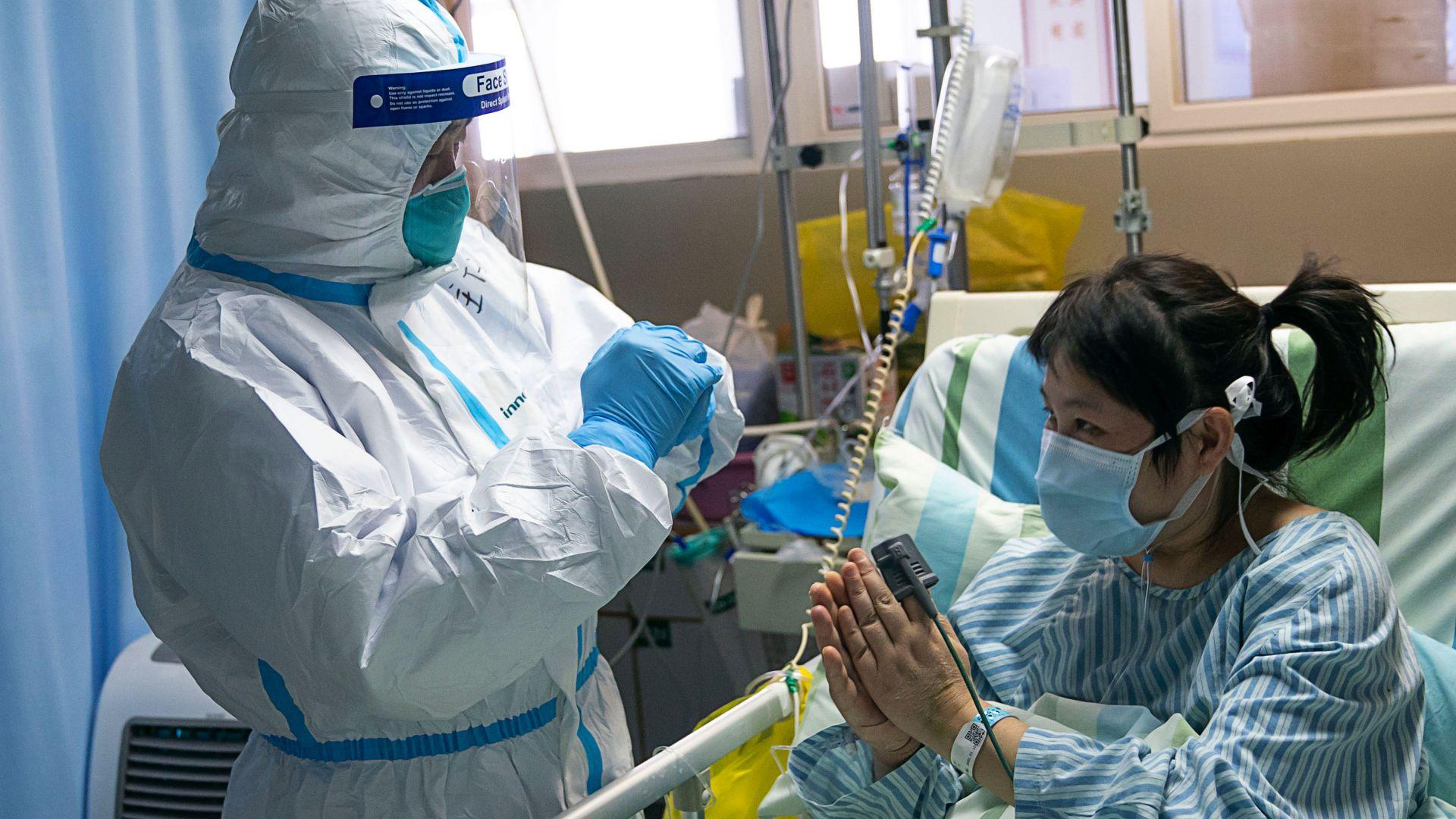 26 починали и 830 заразени: Шокиращи кадри как китайският вирус поваля хора в Хуан