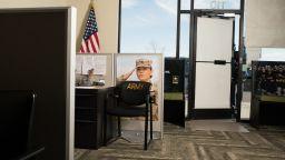 """Военноморска база в САЩ беше блокирана поради """"неоторизиран достъп"""""""