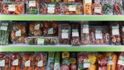 """""""Грийнпийс"""": Турските чушки и домати са пълни с пестициди"""