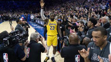 ЛеБрон и още 16 играчи в NBA отказаха да сложат социално послание на екипа си
