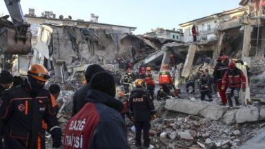 Нараства броят на  жертвите от силното  земетресение в Елязъг