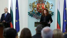 Президентът отговори на Гешев, разкри покана от Путин и се определи за бариера срещу лобизма