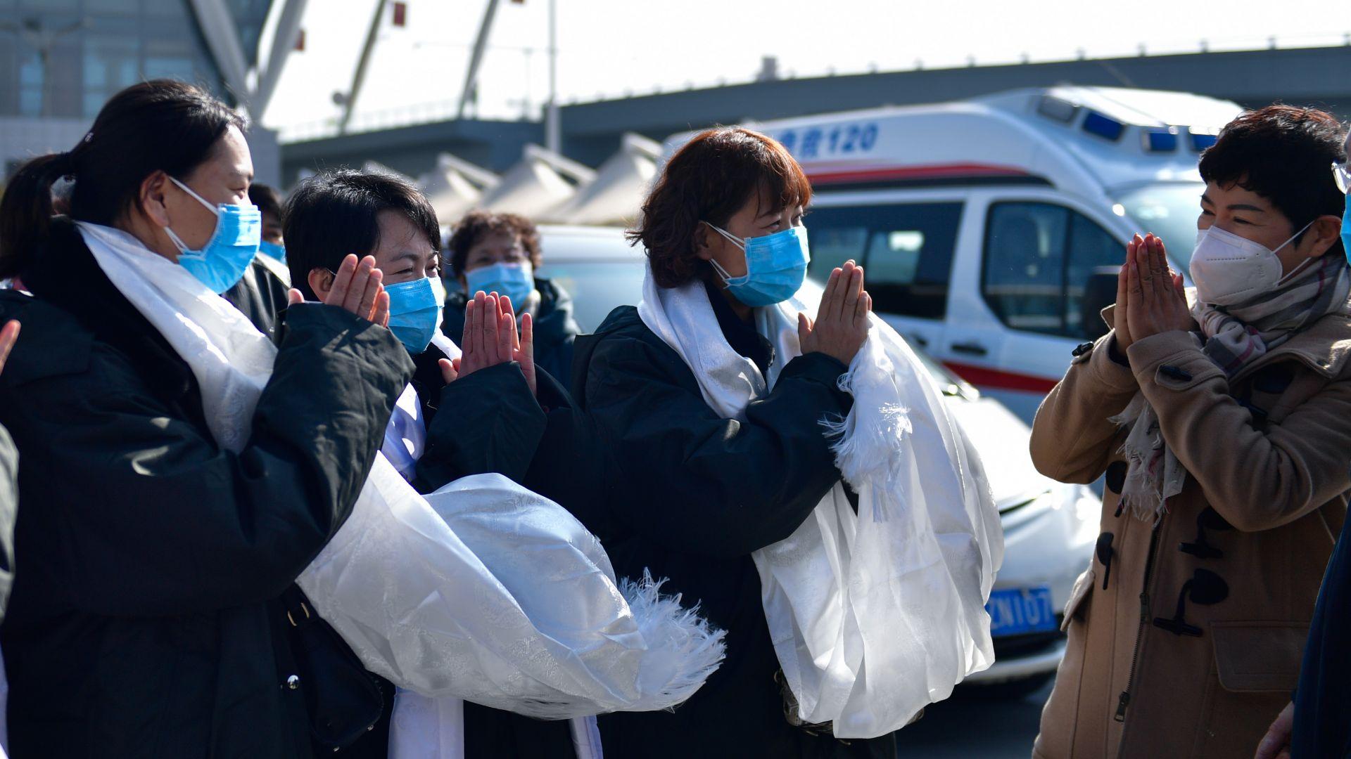 Епидемията от вирусна пневмония, която вече отне живота на над