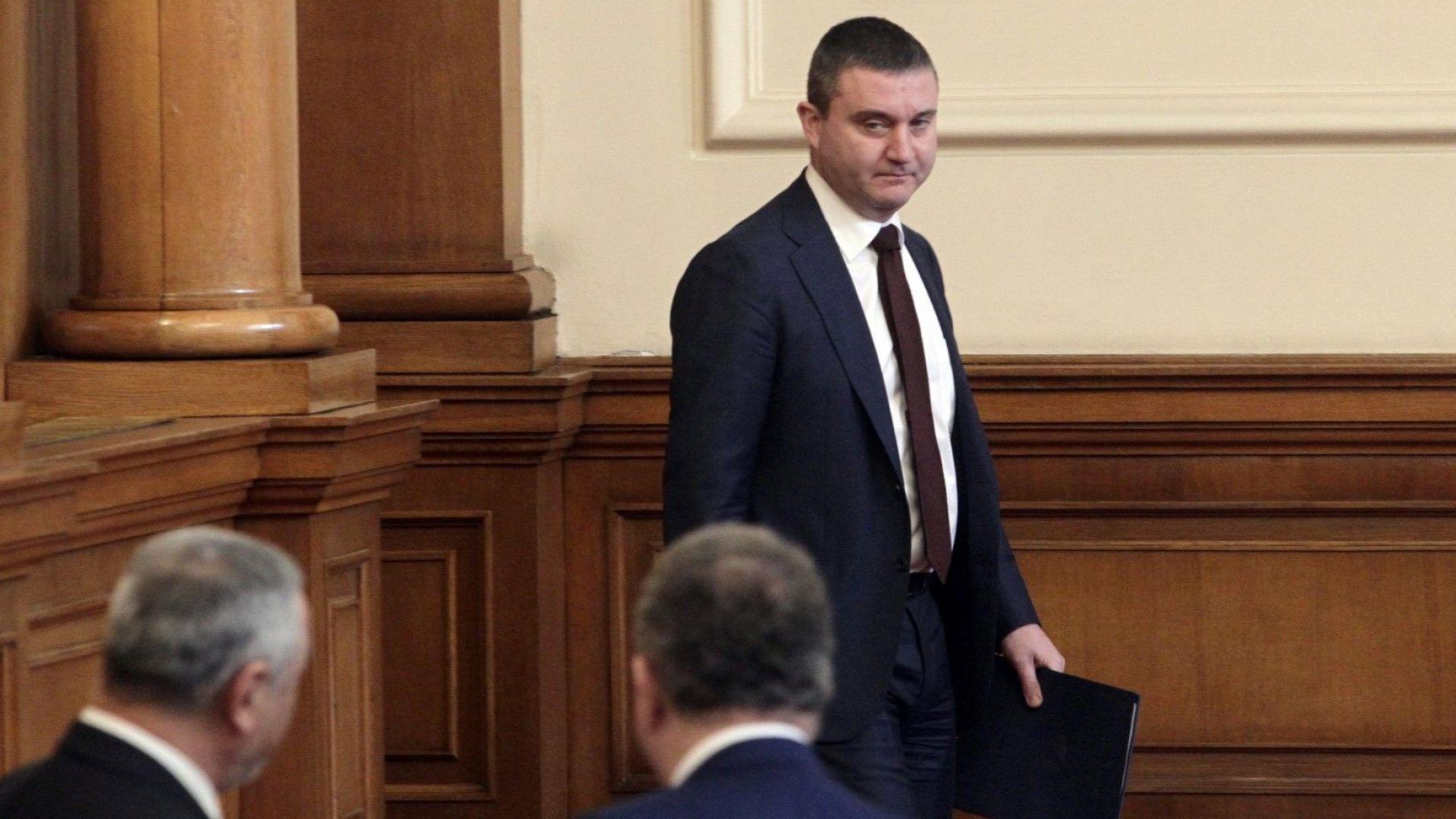 Горанов: Не е само Божков - установени са нарушения и при други хазартни игри