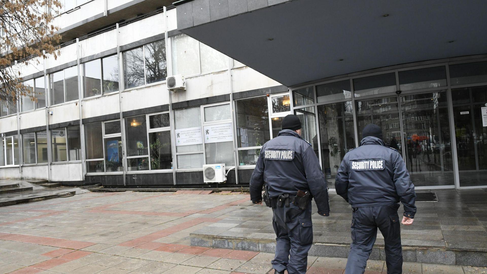 Шефът на Комисията по хазарта признал всичко, човек на Божков хванат във Виена