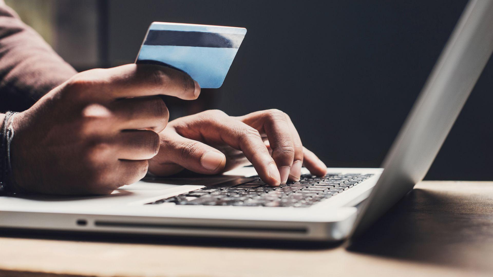 Как с кражба на лични данни жена изтегли 40 000 лв. бързи кредити