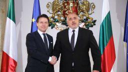 Борисов се похвали на Конте колко качествени защитни облекла произвежда българският бизнес