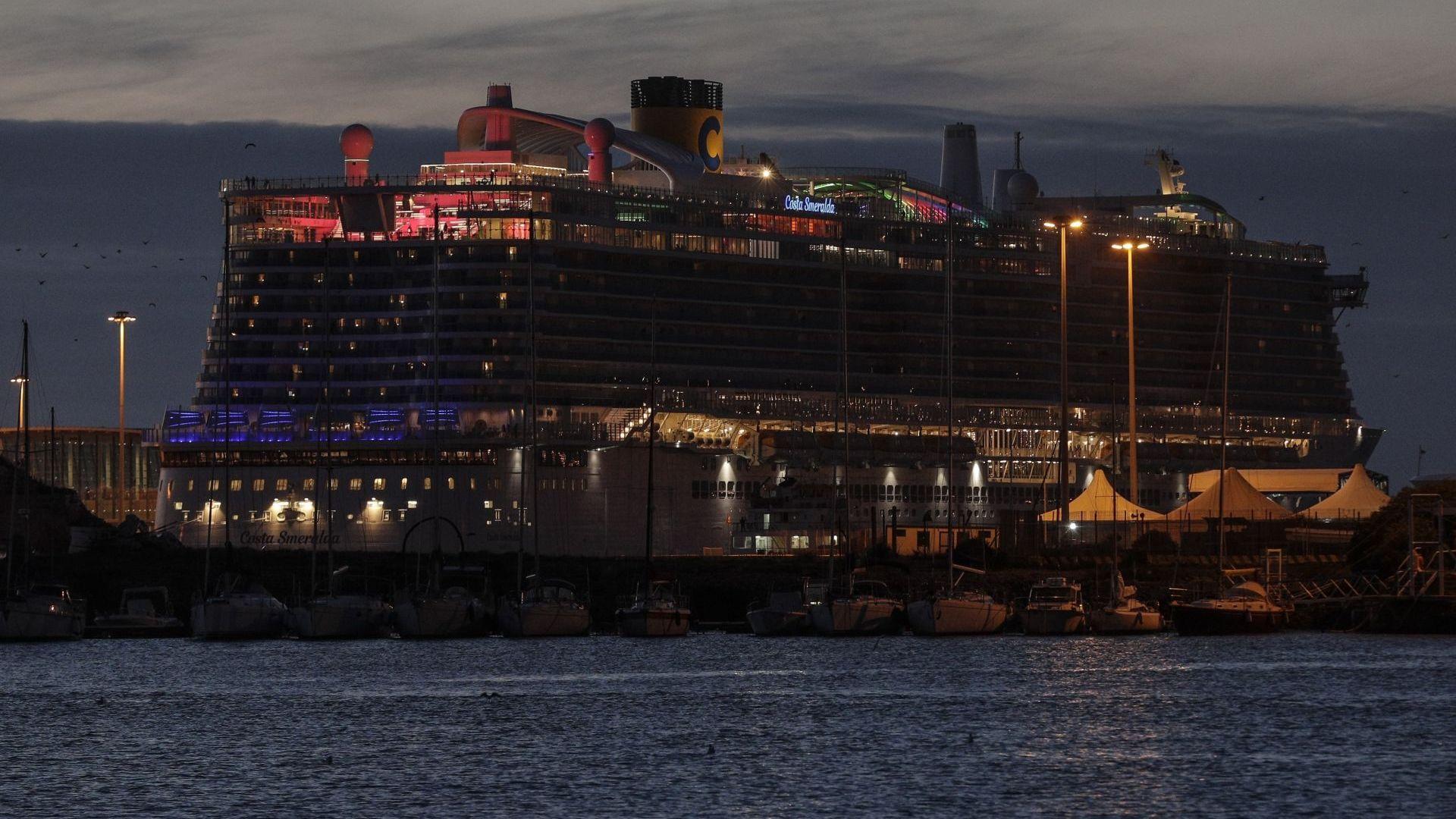 Съмнения за болен от коронавирус в Солун, няма заразени на круизния кораб