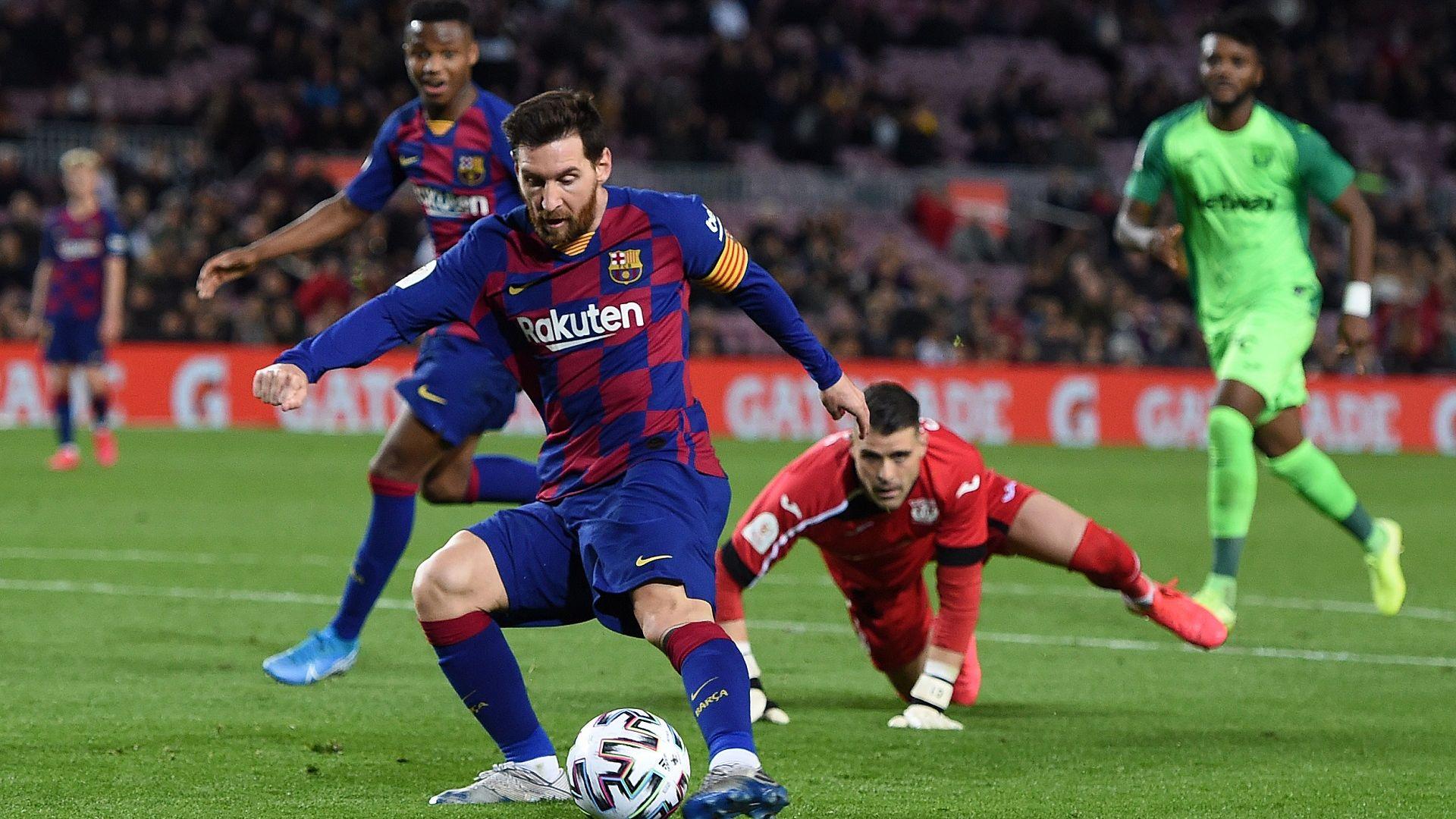 Футбол по телевизията (решаваща вечер с дерби в Испания)