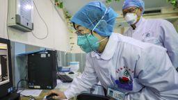 Излекувана от коронавируса китайка разказа за болестта