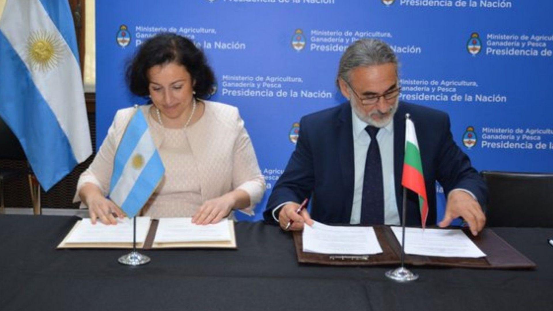 Аржентина одобри българския сертификат за износ на термично обработени птичи продукти
