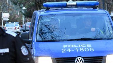 Откриха 5 кг взрив и 200 капсул-детонатора в дома на бивш военен в Дупница