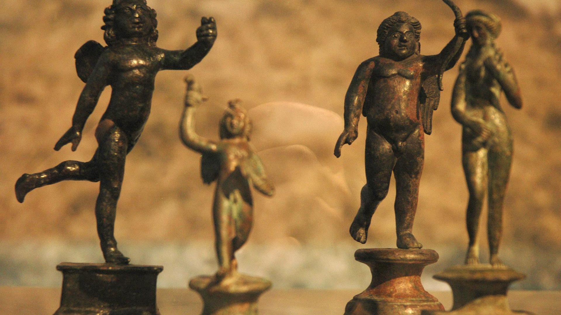 """Колекционерите за антиките на Божков: Отнемаха културни ценности и """"в името на народа"""""""