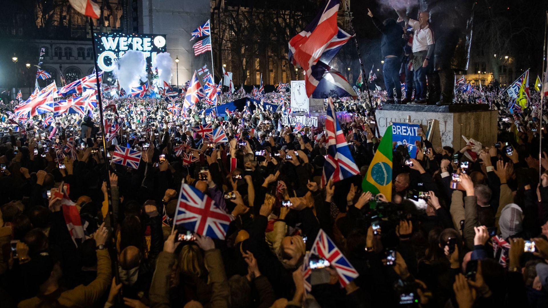 Славна национална драма: Великобритания напусна Европейския съюз