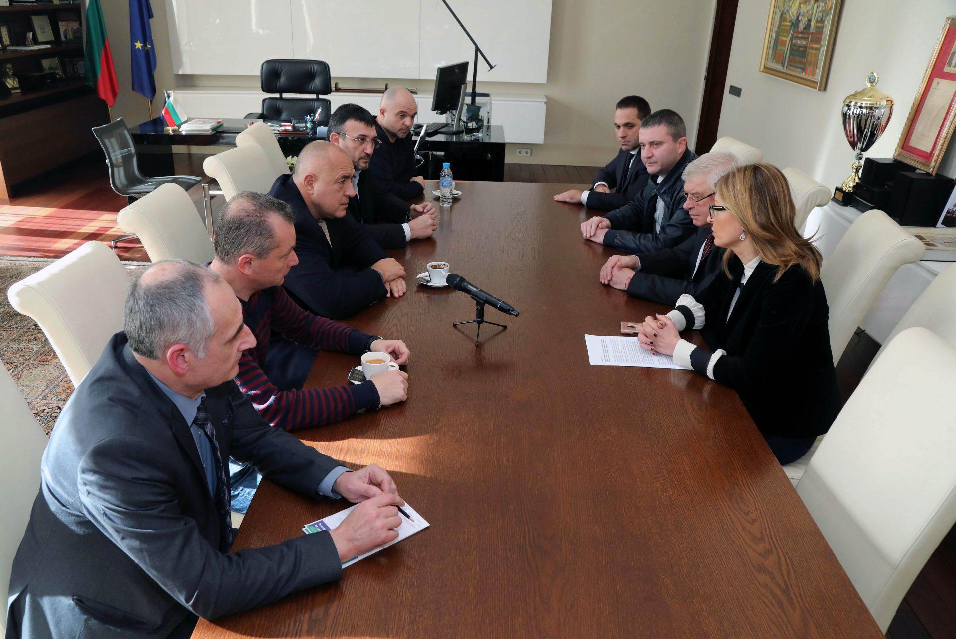 Премиерът свика спешно заседание заради коронавируса