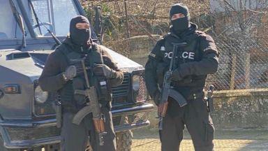 Четирима от задържаните при спецакцията, оглавявана от Гешев, остават в ареста
